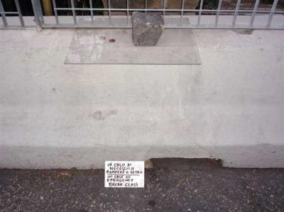 20090923111213-20-roma-museo-al-aire-libre-junto-al-ara-pacis-9.jpg